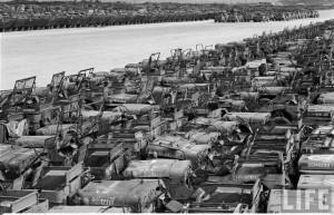 Materiele US en attente le 11 novembre 1949 dans la pacifique