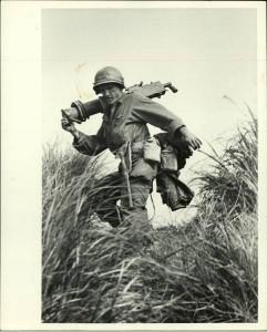 SOldat US durant la bataille des Iles d'okinawa en 1945 par Eugene Smith