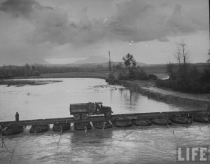 camion pont genie us en italie en 1944 par Margaret Bourke white